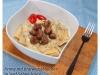 Penne mit Bratwurstbällchen und Senf-Sahne-Sauce (Chrissie & Jo)