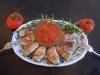 Hähnchen-Rucola-Rollen mit warmer Tomatensauce (Mott McDermott)