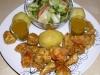 Hähnchennuggets mit Honig-Senf-Sauce, Salat mit Kartoffelvinaigrette und Kartoffeln (von Charly Ko)