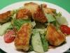 Parmesanhähnchen an Salat