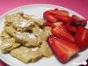 Quark-Kaiserschmarrn mit Erdbeersalat