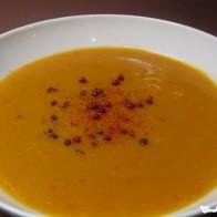 Kürbissuppe mit roten Linsen