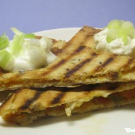 Quesadilla-Ecken mit Chilirelish