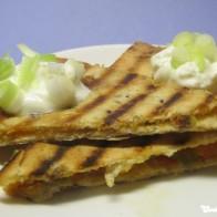 Quesadilla-Ecken mit Chilirelish