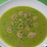 Erbsen-Curry-Suppe mit Mettbällchen