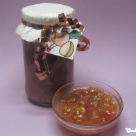 Rhabarber-Apfel-Konfitüre mit Walnüssen