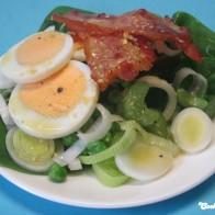 Eier-Spinat-Salat mit Senfdressing
